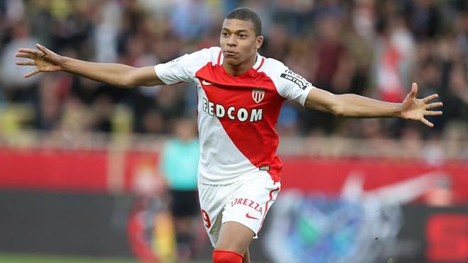 Ngôi sao bóng đá Pháp tương lai Mbappe