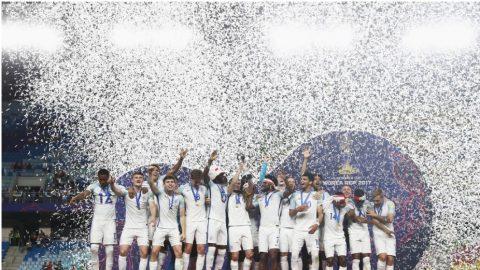 51 năm – Bóng đá Anh giải cơn khát danh hiệu
