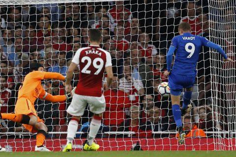 Arsenal hạ Leicester City đầy kịch tính khi Lacazette nổ súng
