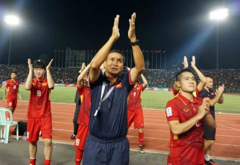 """Việt Nam v Campuchia: Thắng để giải đen và chia tay """"bố"""" Chung"""