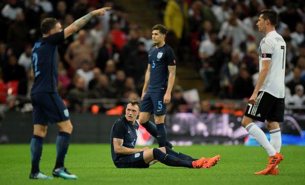 Tin bóng đá quốc tế: Cầu thủ gãy móng tay cũng không nên được gọi tập trung ĐTQG