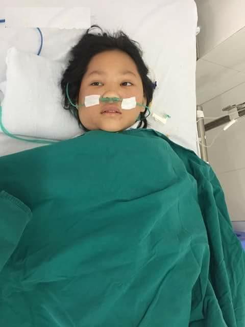 xót xa bé gái 10 tuổi tai nạn nghiêm trọng trên đường đi học về