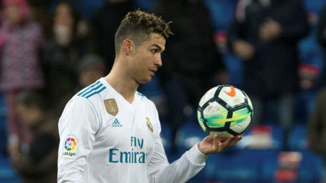 CR7 chấp nhận bị Messi bỏ lại, vì mục tiêu quan trọng
