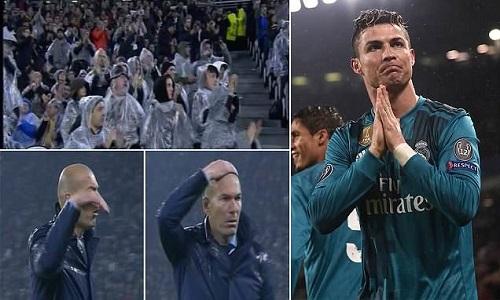 CĐV Juventus đứng dậy vỗ tay khi Ronaldo lập siêu phẩm