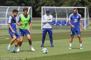 Conte quyết không rời Chelsea do chưa nhận được khoản tiền đền bù