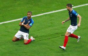 Kylian Mbappe bất mãn với cách cư xử của Neymar ở PSG