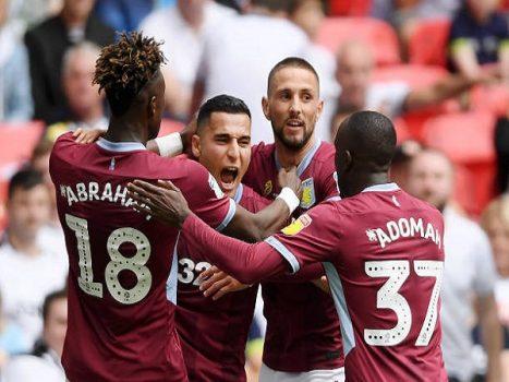Aston Villa hiên ngang trở lại Ngoại hạng Anh