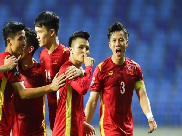 Hình ảnh Quang Hải đẹp -Hình ảnh hết sức đáng yêu của Quang Hải với đồng đội