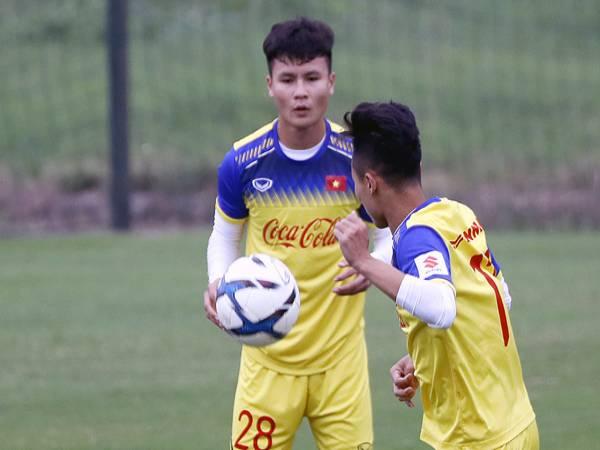 Hình ảnh Quang Hải đẹp -Quang Hải cùng đồng đội tập luyện