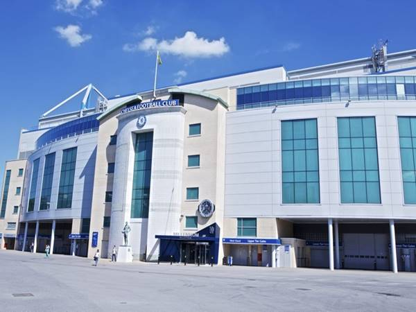 CLB Chelsea giúp chính quyền Anh chiến đấu chống dịch Corona
