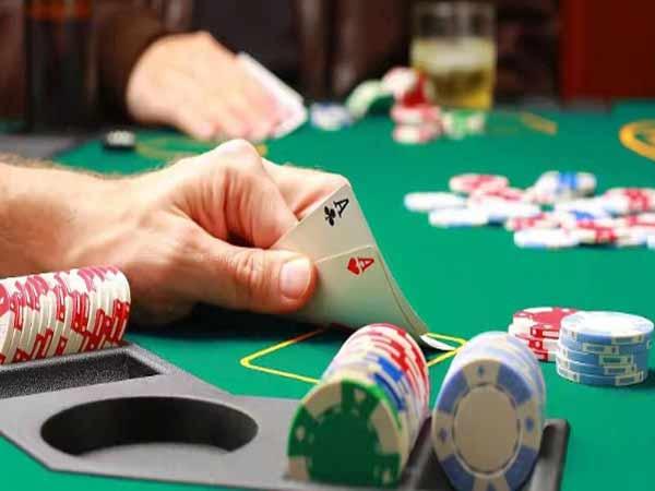 Các chiến thuật chơi bài Poker