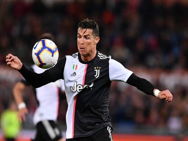 Bóng đá QT chiều 7/2: Ronaldo nổ súng mừng sinh nhật tuổi 36