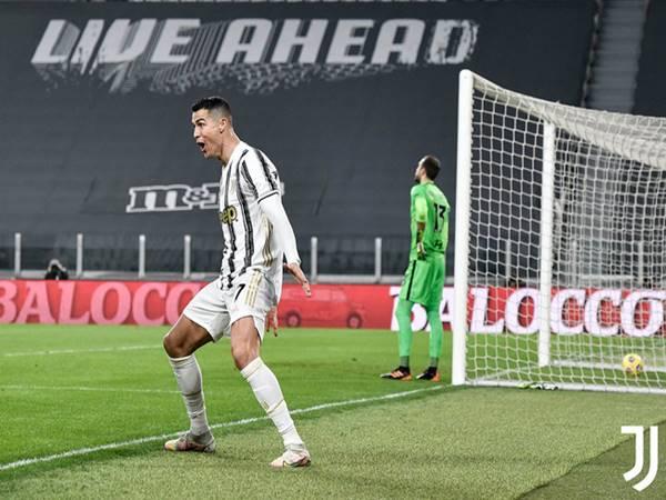 Bóng đá QT ngày 7/2: Ronaldo tạo cột mốc ấn tượng ở tuổi 36
