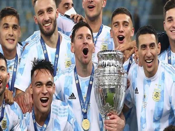 Tin bóng đá 16/7: Messi bị chê bai không thể bằng Maradona