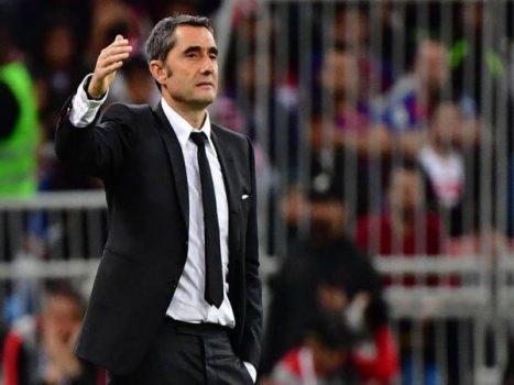 Bóng đá QT tối 1/10:  Cựu HLV Barca có thể sang Saudi Arabia